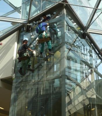 Mytí oken a fasád - ukázka realizace